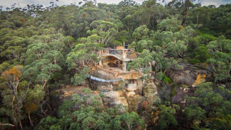 rumah gua australia