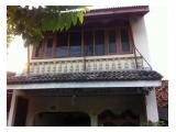 Dikontrakkan : Rumah 2 Lantai Posisi Hook/Strategis (Jl. Nanas Raya, Utan Kayu Selatan)