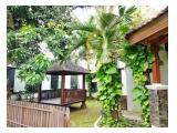Disewakan Rumah Megah di Daerah Bintaro dengan Taman yang Cantik