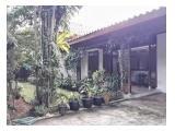 Disewakan Rumah Megah di Kemang Dalam, dengan kondisi Taman dan Kolam Renang yang cantik