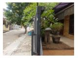 Jalan perumahan (depan rumah bisa untuk parkir)