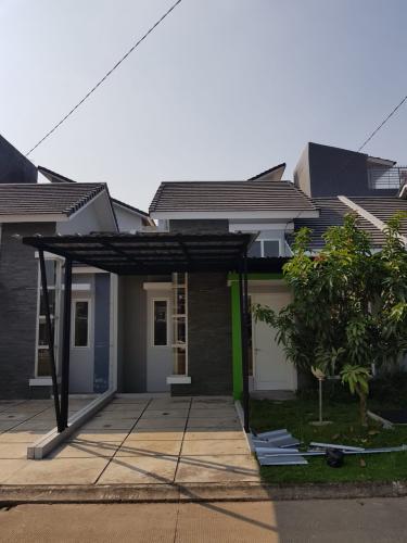 Disewakan Rumah Serpong Garden 2 Cisauk Tangerang 2 Kamar Tidur 4897