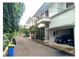 Disewakan Town House di Cilandak dgn Kolam Renang & Unit Bagus Kondisi Semi Furnished HSE-A0351