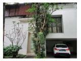 Modern Town House di Cilandak dengan Kolam Renang dan Kondisi Unfurnished HSE-A0085