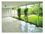 Disewakan Town House di Cipete dgn Kolam Renang dan Taman & Unit Bagus Kondisi Unfurnished HSE-A0251