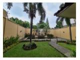 Disewakan Town House di Pejaten dgn Kolam Renang dan Taman & Unit Bagus Kondisi Unfurnished HSE-A0456