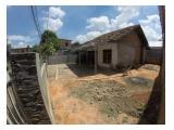 Foto rumah diambil dari sudut pagar
